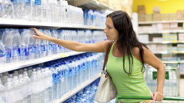 What Are Some Alkaline Bottled Water Brands?
