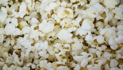 How Many Weight Watcher Points Are in a Small AMC Movie Theater Popcorn?