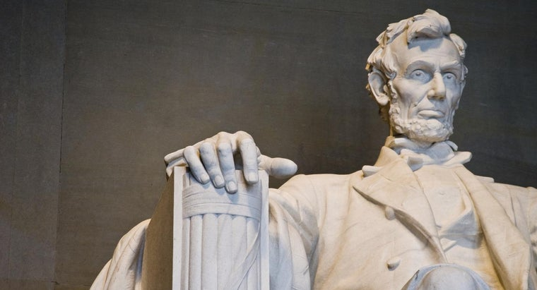 What Are Some Good American History Research Paper Topics?