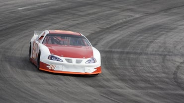 What Is the Average Speed Limit for a NASCAR Race?