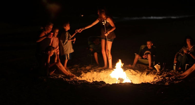 What Is the Average Temperature of a Campfire?