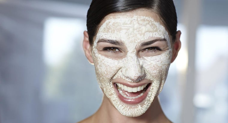 What Is a Baking Soda Face Mask?