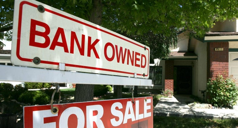 What Are Bank Foreclosure Listings?