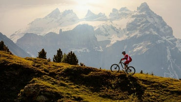 What Bike Gears Should a Person Use for Uphill Biking?