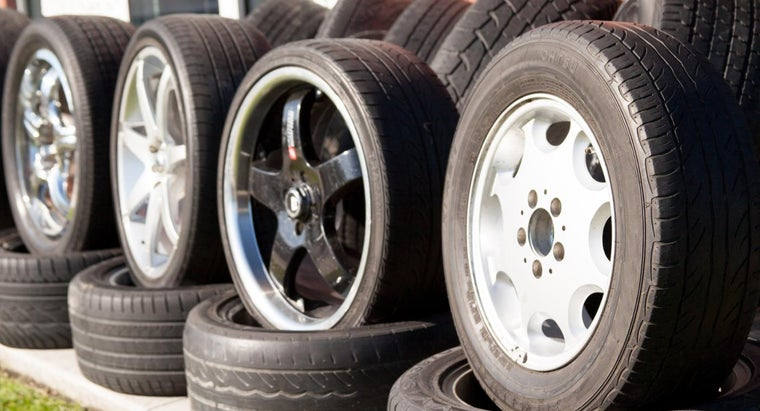 What Are Buying Tips for Used Wheels at Salvage Yards?