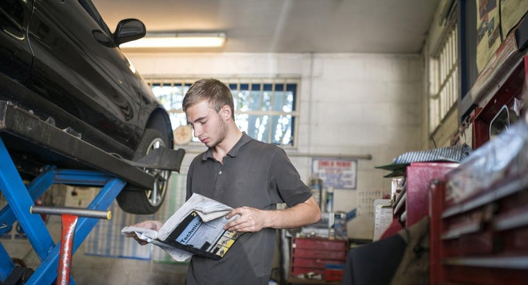 Where Can Free Car Manuals Be Downloaded Online?