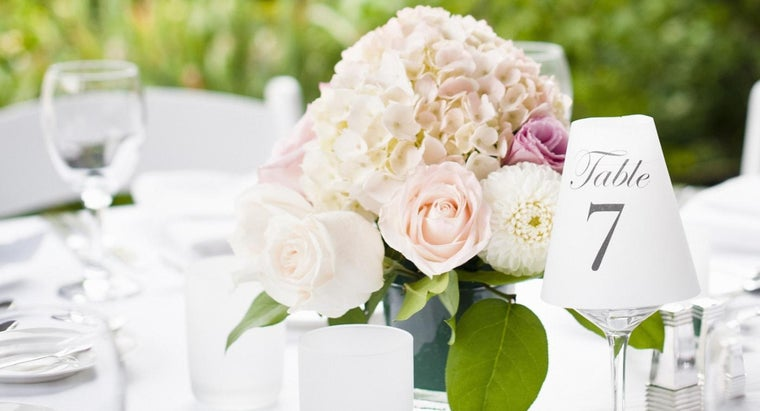 Where Can I Find Cheap Table Centerpieces?