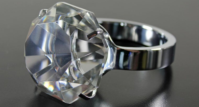 Can I Clean My Diamond Ring With Vinegar?