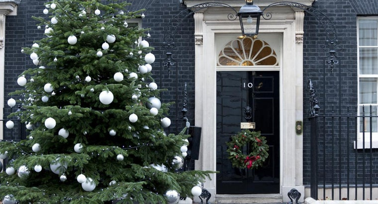 How Can I Decorate a Door for Christmas?