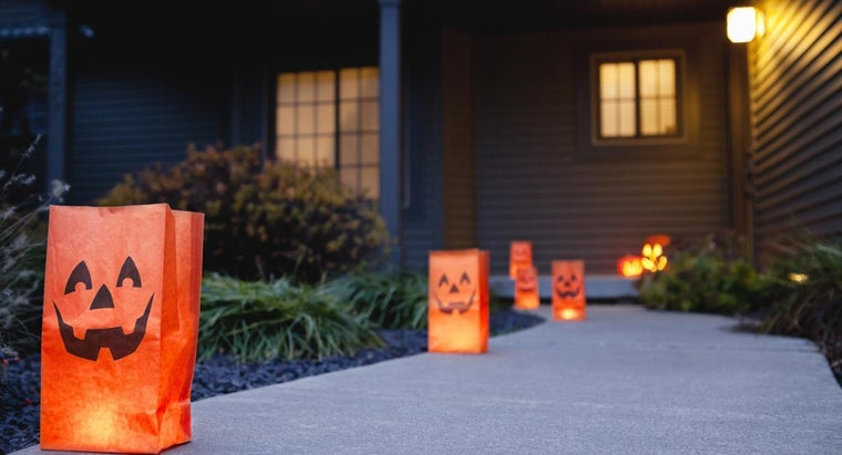 How Can You Decorate Paper Bags for Halloween?