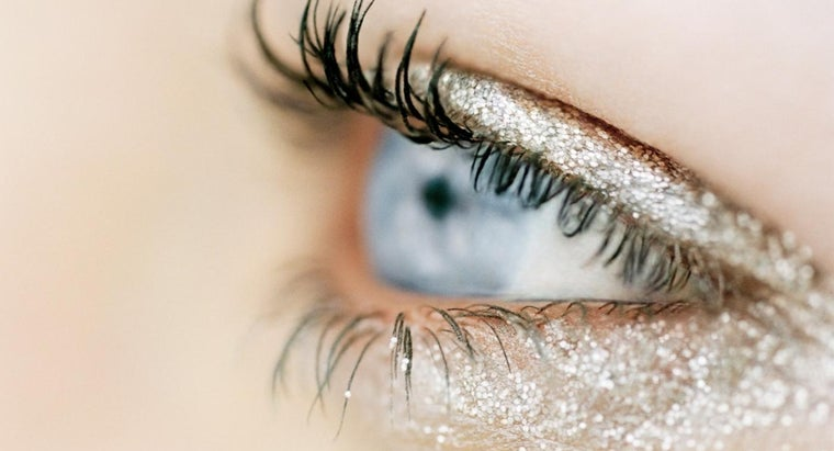How Can You Make Glitter Eye Shadow?