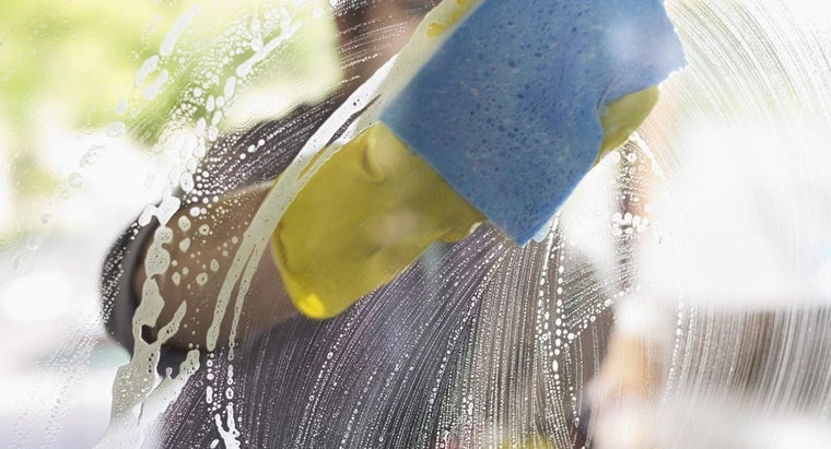 How Can I Make a Window Cleaner With Cornstarch?