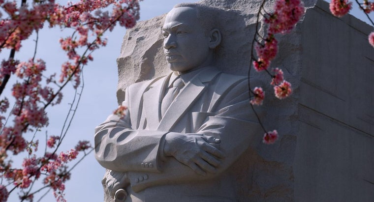 Where Can I Find Martin Luther King Jr. Pictures Online?