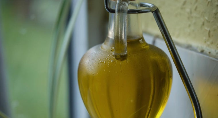 Can Olive Oil Be Substituted for Vegetable Oil?