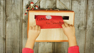 How Can I Get a Santa Letter Postmarked From the North Pole?