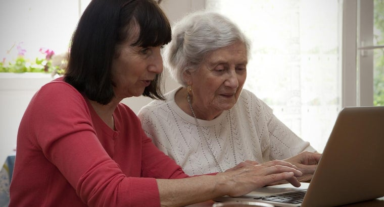 Where Can a Senior Citizen Find a Program to Learn to Use a Computer?
