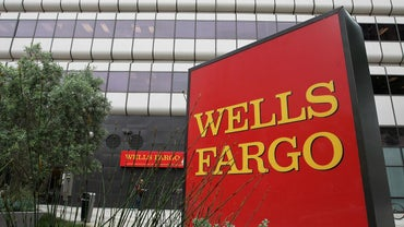 How Can I Start a Savings Account at Wells Fargo?