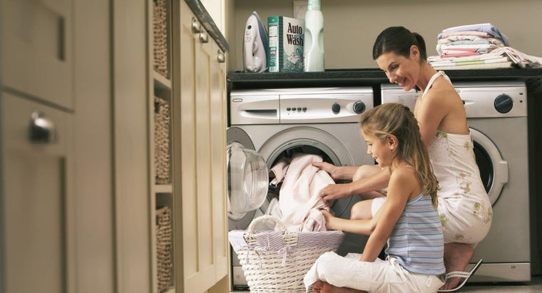 Can You Wash Polyester in the Washing Machine?
