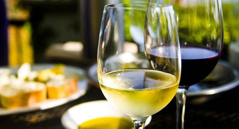 What Can a Wine's Color Tell You?