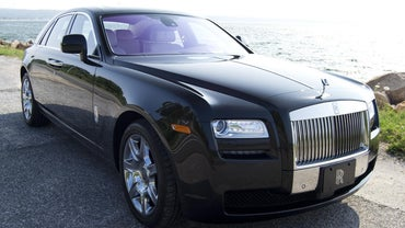 What Is the Best Car Wax for a Black Car?