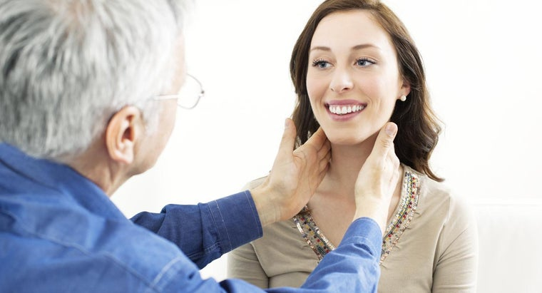 What Causes an Enlarged Thyroid?