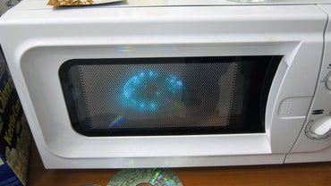 What Causes Microwave Arcing?