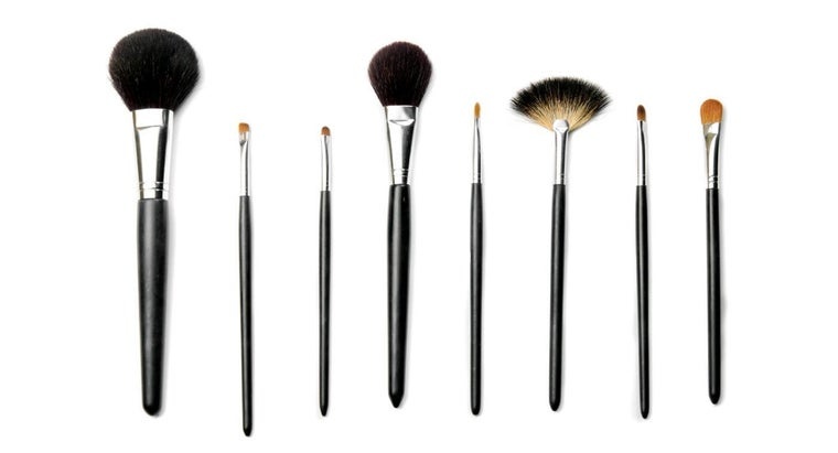 What Are Some Characteristics of the Best Professional Makeup Brushes?