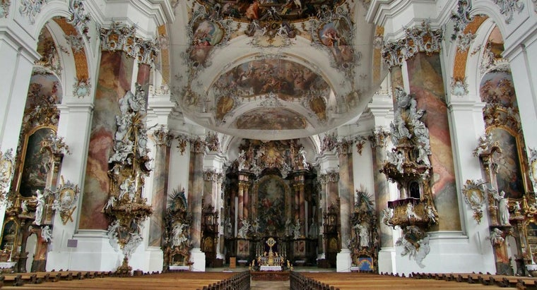 What Are Some Characteristics of Rococo Art?