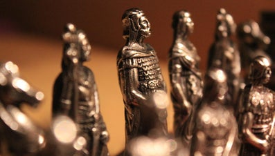 Which Chess Piece Can Only Move Diagonally?