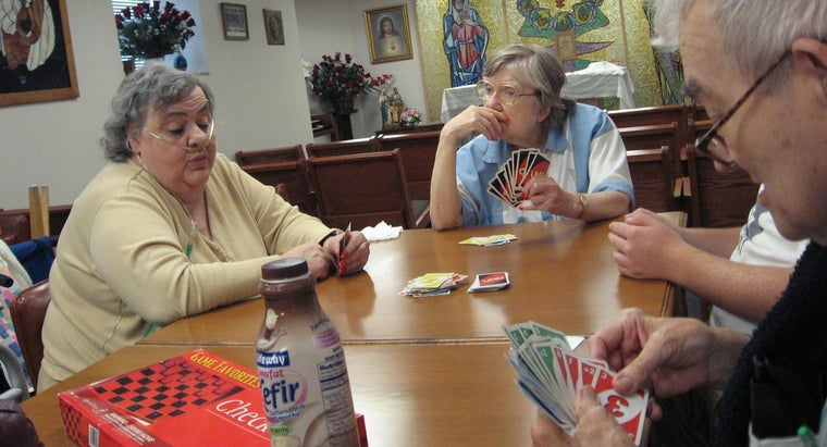 What Are Some Christmas Party Games for Seniors?