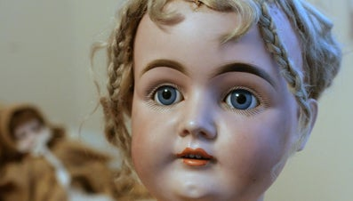 Where Do You Find Collectible Dolls?