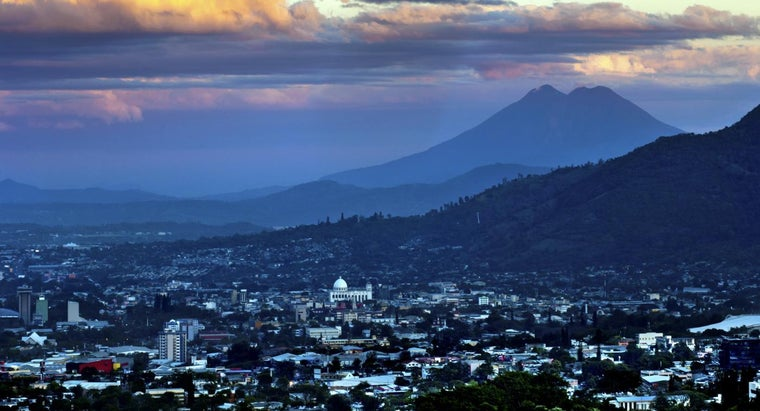 In What Continent Is El Salvador Located?