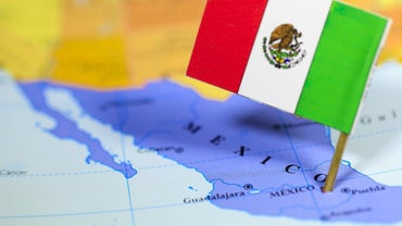 Which Countries Share a Border With Mexico?