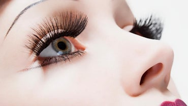 How Do You Cut False Eyelashes?
