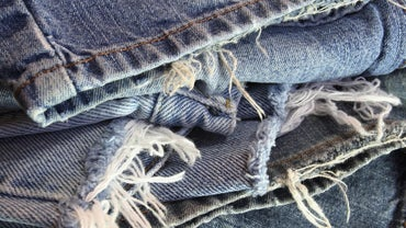 How Do You Cut and Fray Jeans?