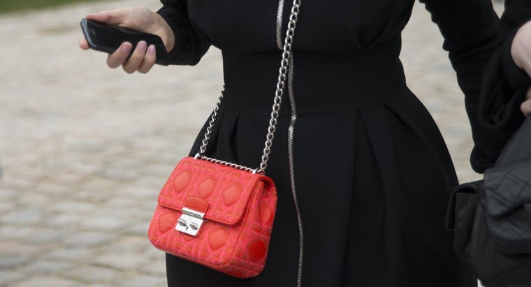What Are Some Cute Crossbody Bags?