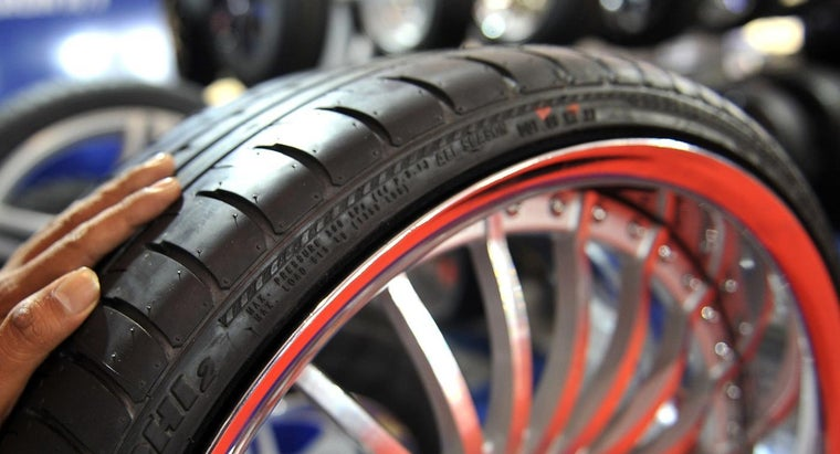 Who Makes Definity Tires?