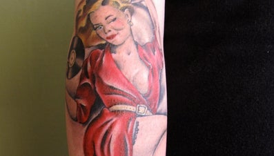 How Do You Design a Pinup Girl Tattoo?