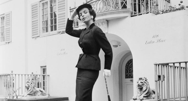 What Did Women Wear in the 1950s?