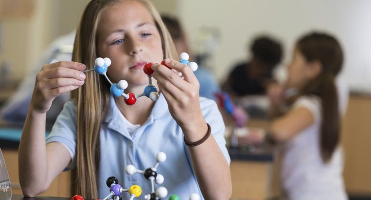 What Is the Difference Between a Pure Substance and a Mixture?