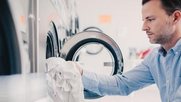 "What Is the Difference Between the ""cotton/normal"" and ""permanent Press"" Settings on a Washer?"