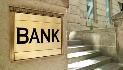 What Is the Difference Between a Credit Union Vs. a Bank?