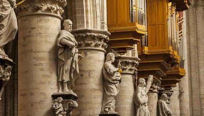 What Is the Difference Between Disciples and Apostles?