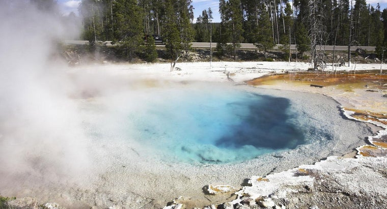 What Is the Difference Between a Geyser and Hot Spring?