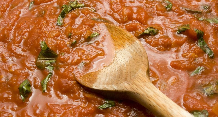 What Is the Difference Between Marinara and Spaghetti Sauce?