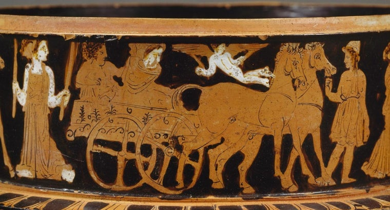 What Is the Difference Between Red and Black Figure Pottery?