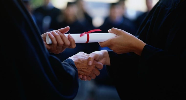 What Is the Difference Between A.A. and A.A.S. Degrees?