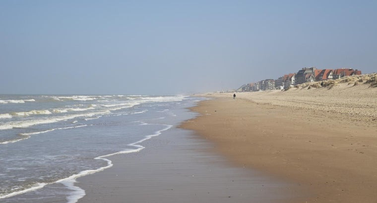 What Is the Difference Between Spring Tides and Neap Tides?