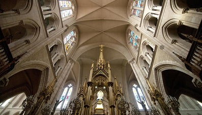 What Is the Difference Between a Vaulted and Cathedral Ceiling?