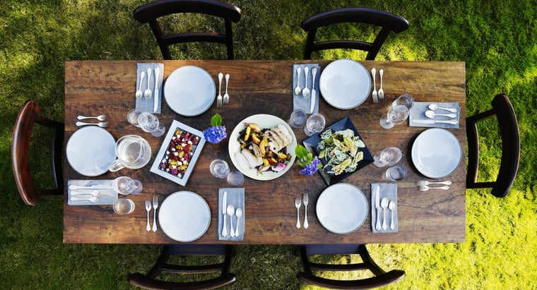 What Are the Different Kinds of Table Appointments?